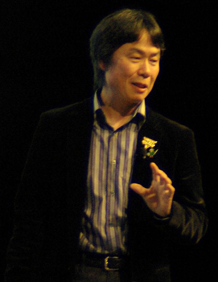 698px-Shigeru_Miyamoto_cropped