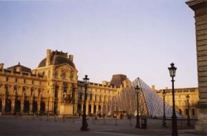 出典http://onna-hitoritabi.com/france/paris/musee-du-louvre