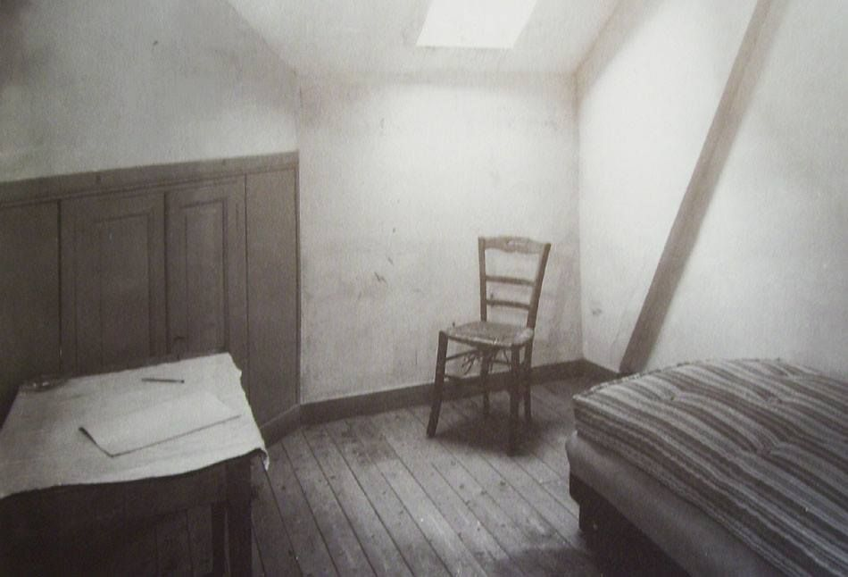 ラヴー旅館の一室