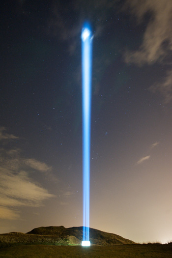 https://media.thisisgallery.com/wp-content/uploads/2018/12/yokoono_07.jpg