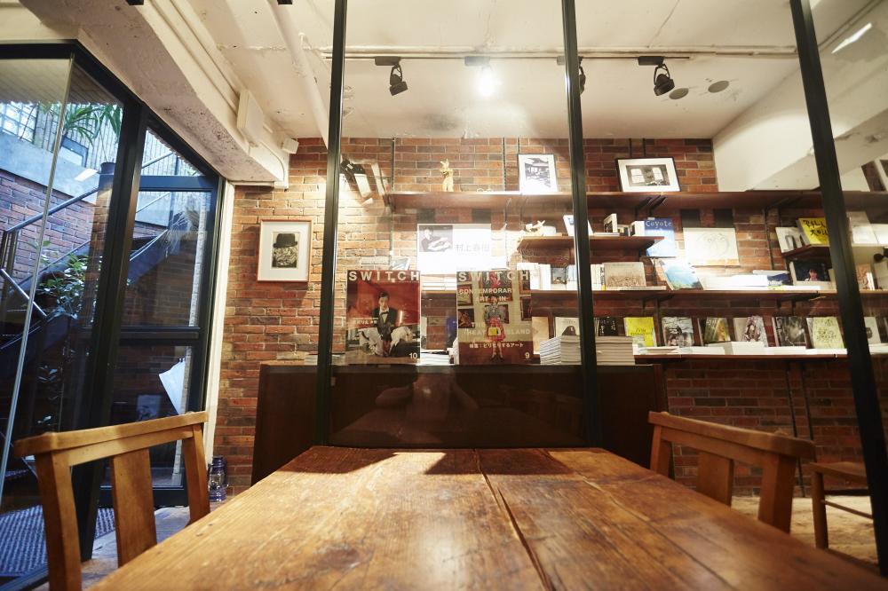 Rainy Day Bookstore & Cafe (レイニーデイ ブックストア アンド カフェ)